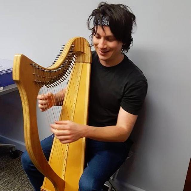 Carlin harp boi